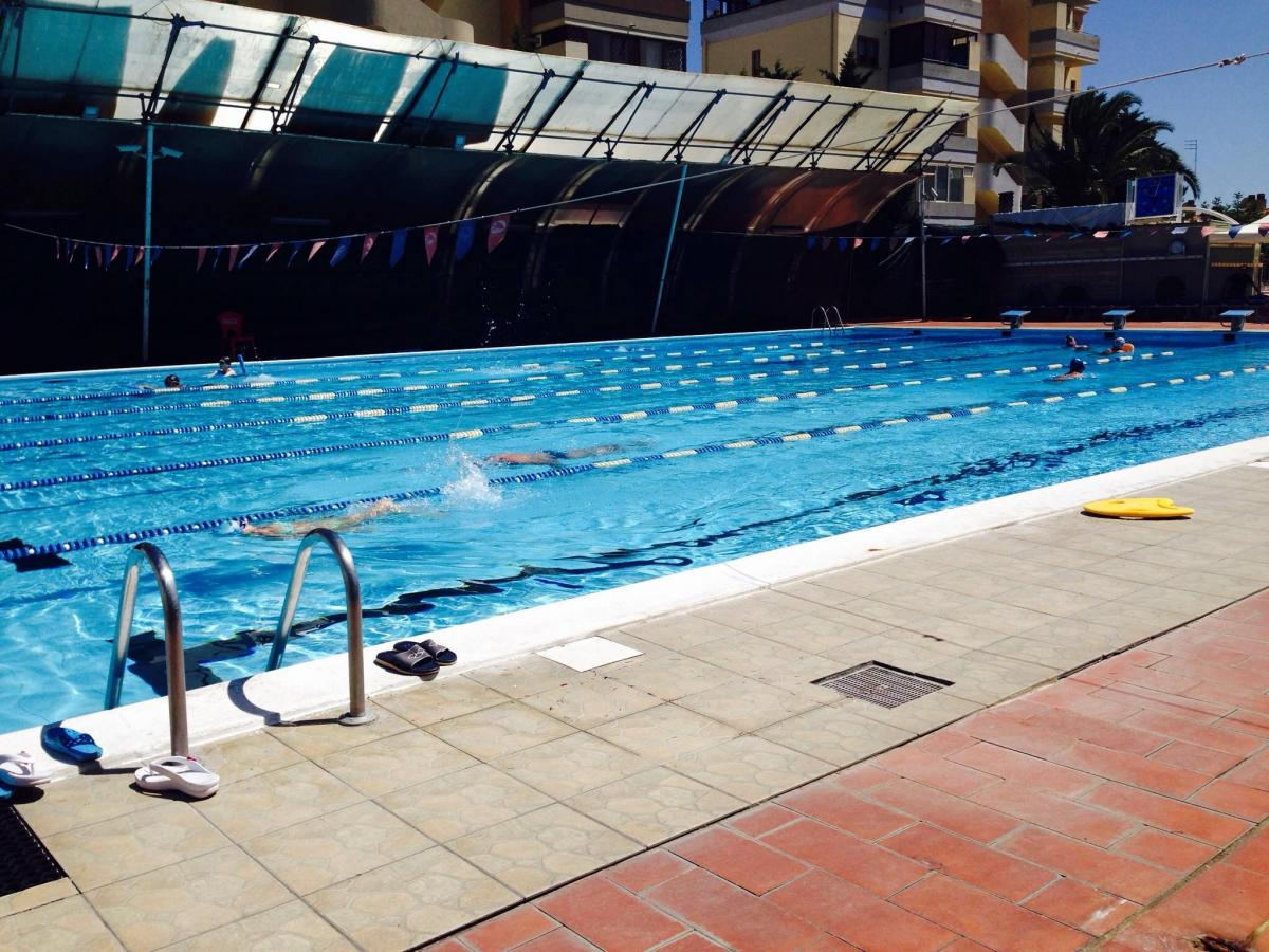 Cloro nell 39 acqua di pietro piscine sicure per la pelle for Cloro nelle piscine